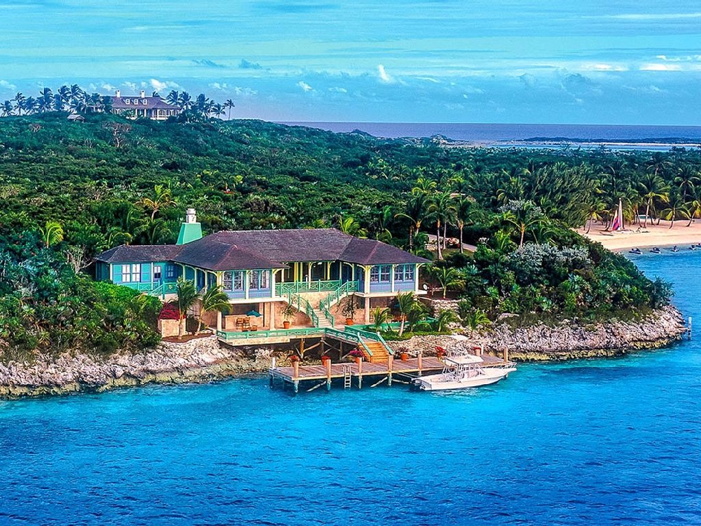 Top11 Super Rich Millionaires & Billionaires Who Own A Private Island Around The Caribbeans